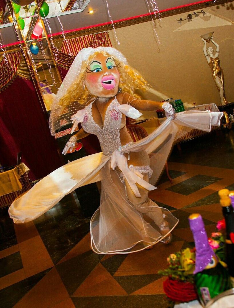 Ростовая кукла стриптизерша
