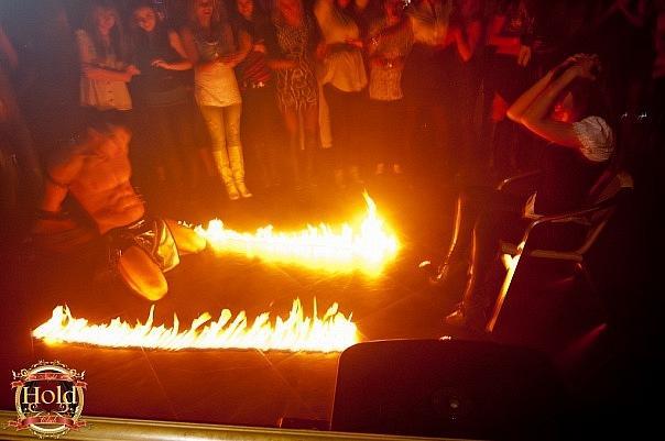 шоу с огнем на праздник