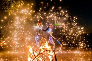 Огненное световое шоу на праздник