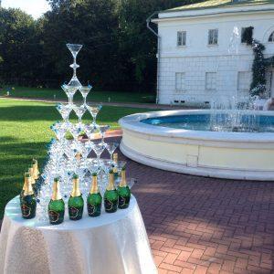 Бармен шоу и Пирамида из шампанского