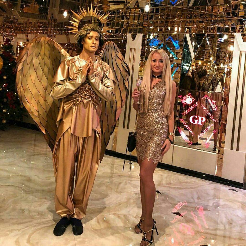живые золотые статуи москва